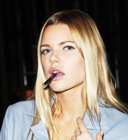 Sophie Monk with ePuffer Electronic Cigarette